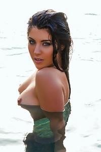 Sexy Bikini Model Elle Georgia Has Tiny Perky Tits