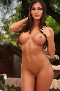 Evelin Rain Busty Brunette, Evelin Rain, Gets Sexually Excited Fairly Easy, Especially If A Camera Is Involved Because It Means