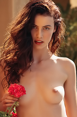 Sera Mann Beautifully Totally Nude