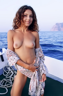 Naked Beauty On The Sea