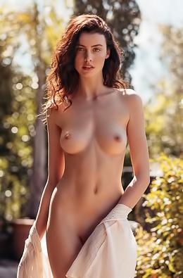 Mann nude leslie 8 Actresses