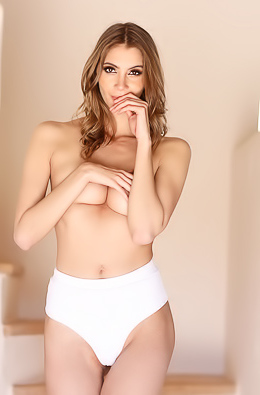 All Natural Girl Nicole Rose With Long Legs And Perfect Perky Tits