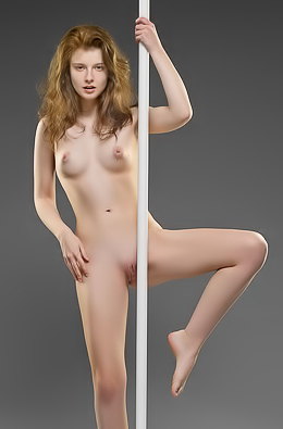 Sienna R. Amateur Pole Dance