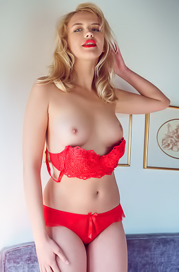 Gorgeous Blond Mary Lin In Red Stockings