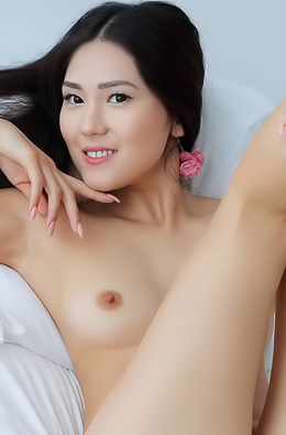 Cute Asian Babe Kimiko Shows Her Lovely Small Breasts