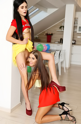 Nubile Young Hotties Evelin And Kate Rich